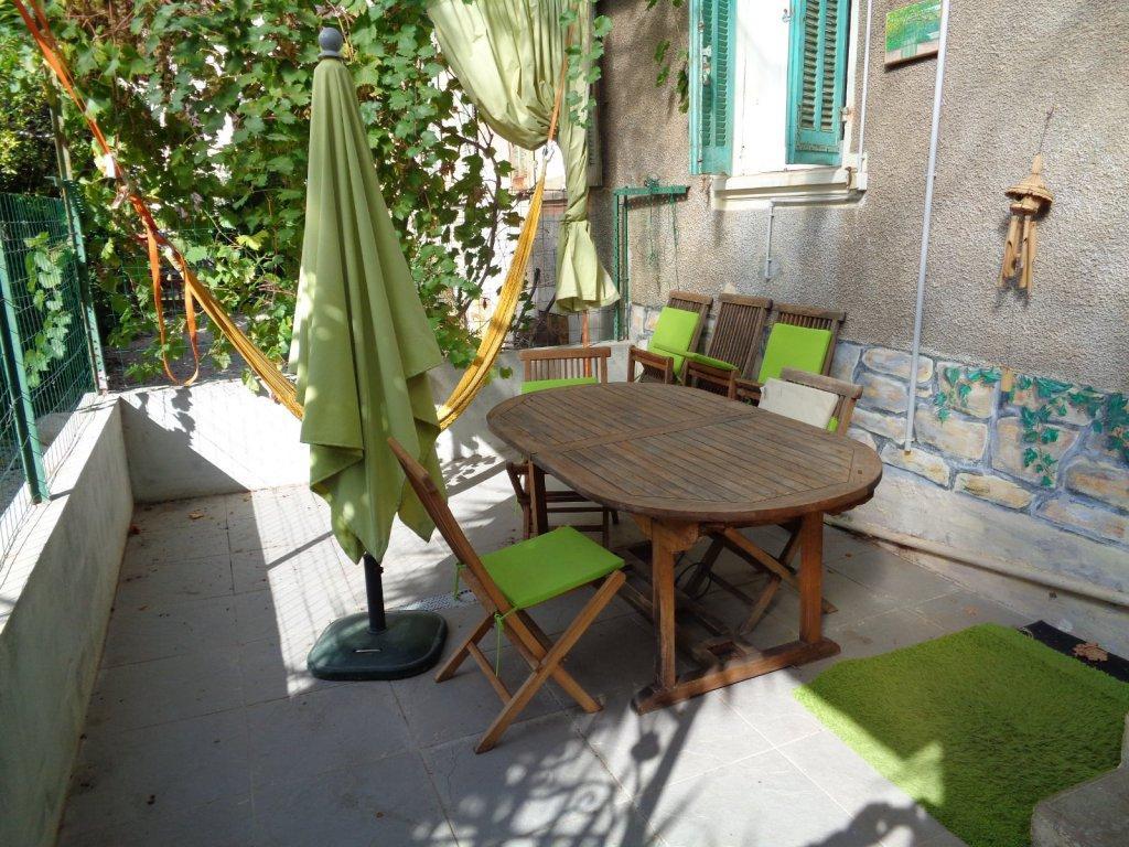 Vente hyeres appartement t4 centre ville avec terrasse for Acheter maison porquerolles